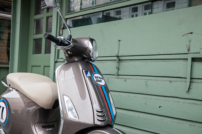 Vespa Sharing Scooter Roller München | scoo.me